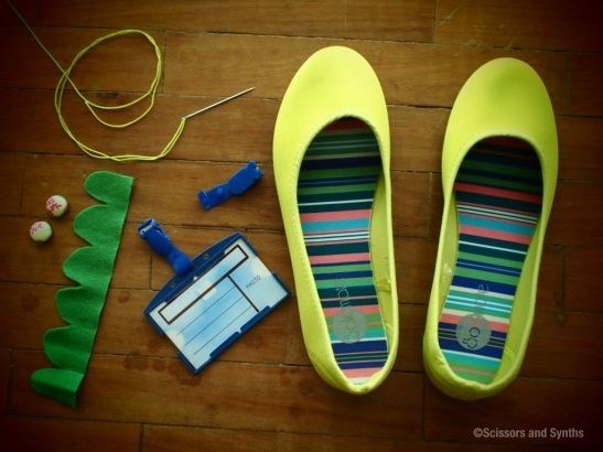 make your own shoe clips with id clips scissors synths. Black Bedroom Furniture Sets. Home Design Ideas